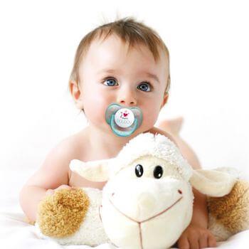 Tous les bébés ont un besoin naturel et physiologique de succion