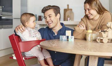 La sécurité de l'enfant est primordiale dans l'utilisation d'une chaise haute pour le repas de bébé